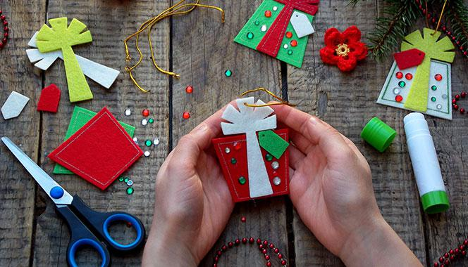 5 DIY Christmas Tree Decoration Ideas For Kids