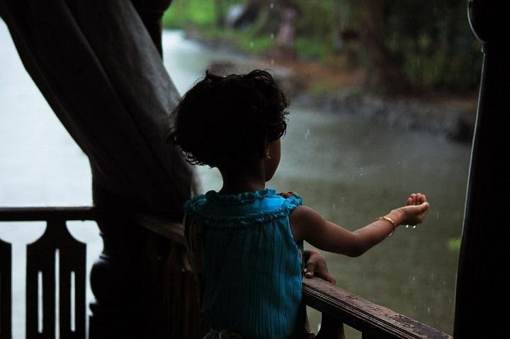 5 Tips To Prevent Monsoon Diseases In Toddlers Naturally