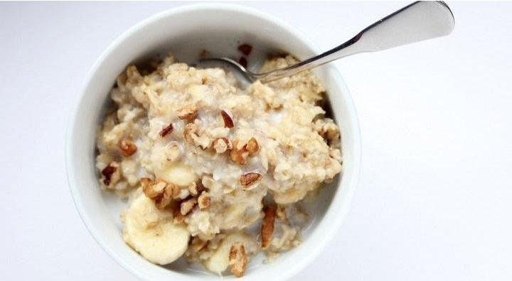 Oats for babies? Learn more about oats, a highly recommended food for when a baby is ready to wean