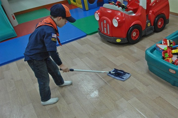 7 Ways To Teach Your Child To Clean Up
