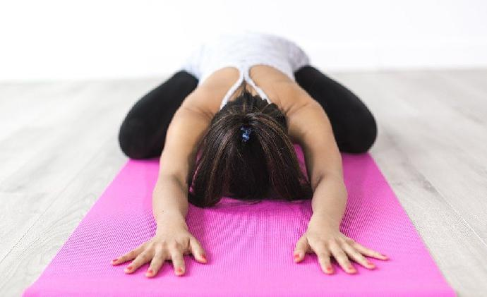 Are you suffering from frozen shoulder pain? These 9 yoga exercises might help