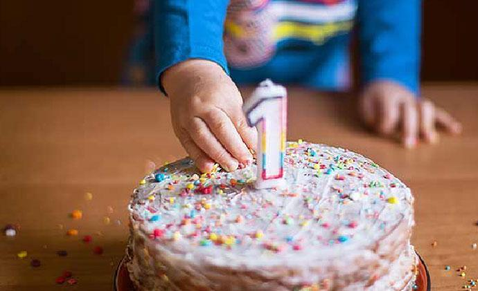 Celebrating your little one's 1st birthday? We bring you 5 wonderful ways to make the occasion truly memorable