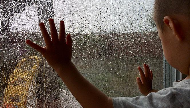 Does your child hate being cooped up indoors during rains? Try these 7 fun rainy day activities for kids
