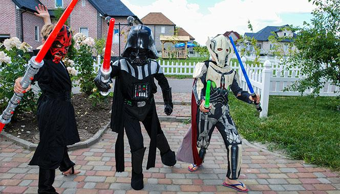 Does your kid love Star Wars? Here are some Star Wars inspired fancy dress ideas