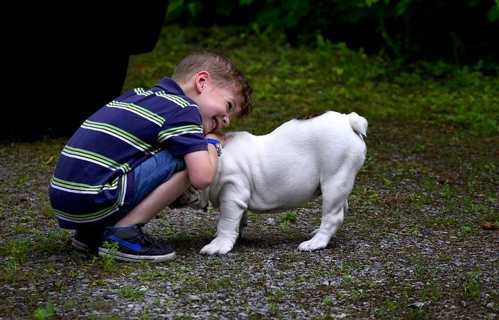 6 Ways To Teach Kindness To A Child