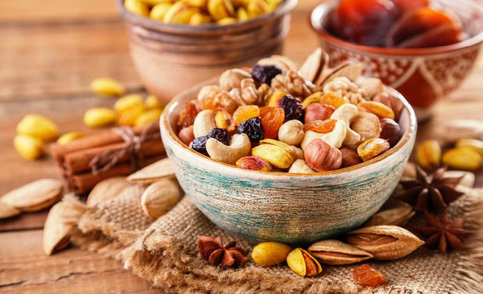 Get your little one to go nuts over nuts. Here are 10 dried fruits and nuts to help boost your child's immunity