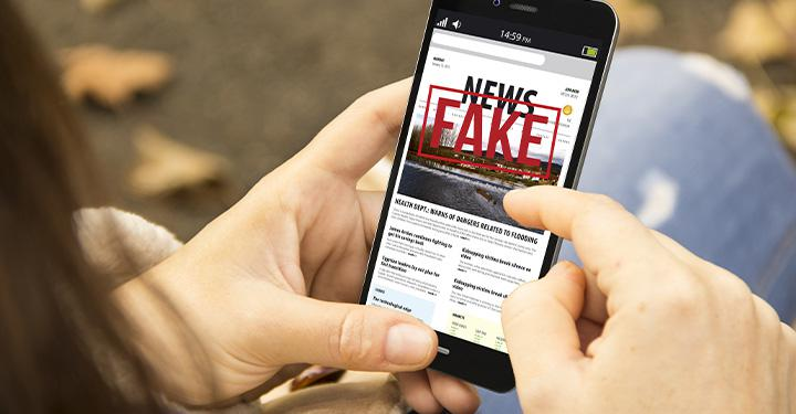 Here Are 5 Tips And Tools That Will Help Your Teen In Successfully Identifying Fake News On Social Media