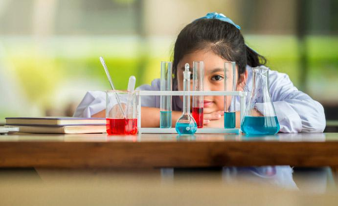 How to Develop Scientific Temper in Children—Here's How Parents Can Nurture An Enquiring Mind