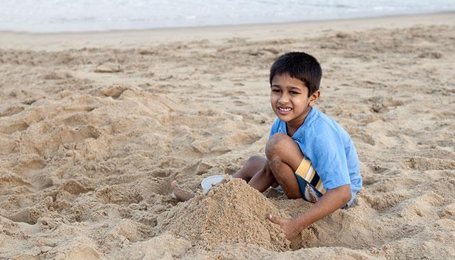 If you worry at the sight of your child playing in sand, don't. Here are 7 reasons why playing in sand is good for kids