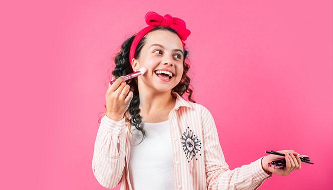 Parents, here is why you should keep your teen away from the world of cosmetics