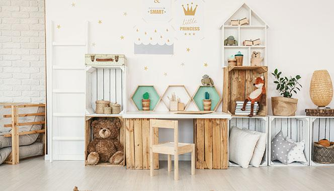 Tired of all the mess in your child's room? Here are 5 easy DIY ideas to reduce clutter and organize the space
